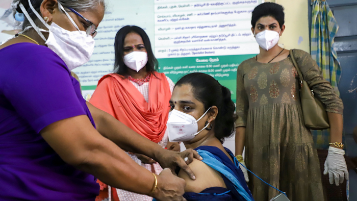 With vaccination sites reporting less turnout, the BBMP is planning to deploy vaccination teams at every city block. Credit: PTI Photo