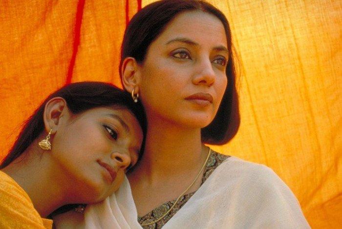 Nandita Das and Shabana Azmi in 'Fire'
