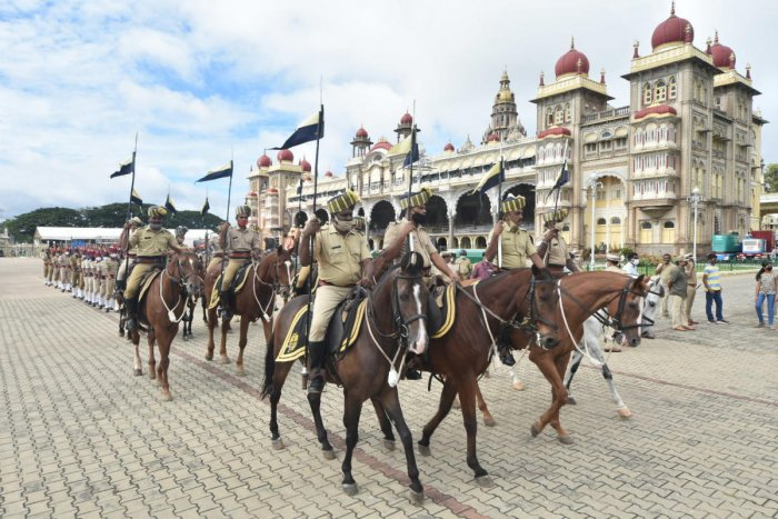 The Mounted Police during a rehearsal for Jamboo Savari in Mysuru on Wednesday. Credit: DH Photo