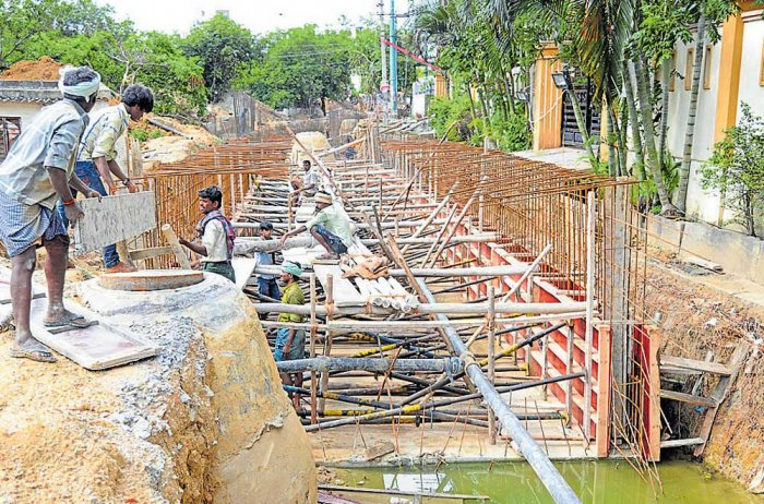Important works such as constructing retaining wall, linking shoulder drain to the SWDs or even widening the drains have accelerated this year. Out of 408 such works, only 20 of them were complete until May 2017. DH file photo