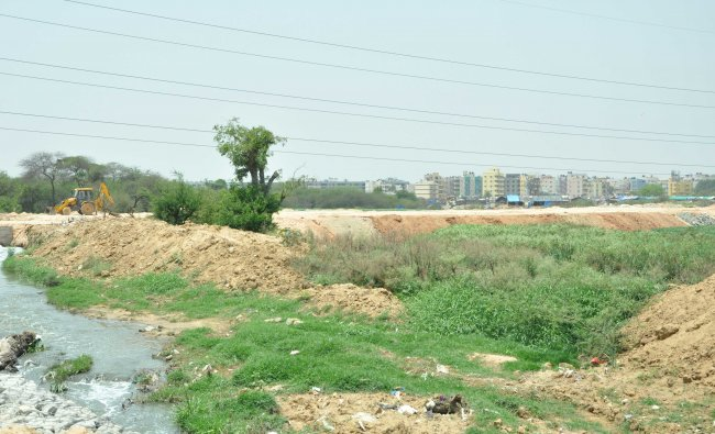 Minor Irrigation Department officials insist that local bodies such as BBMP and BDA will remain custodians of city lakes