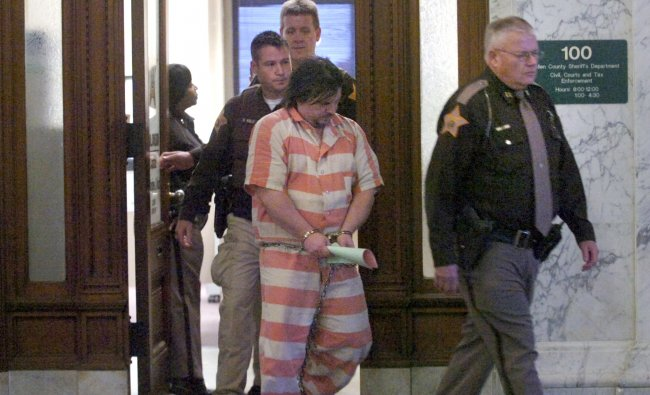 Michael Len Plumadore escorted out of Fort Wayne Allen County Courthouse