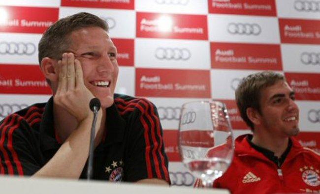 Bayern Munich Bastian Schweinsteiger, left, and team captain Philipp Lahm
