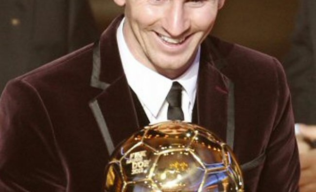 Lionel Messi crowned as the soccer player of the year 2011 at the FIFA Ballon d\'Or