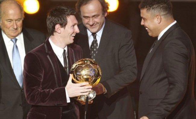 Lionel Messi with Ronaldo and FIFA President Michel Platini