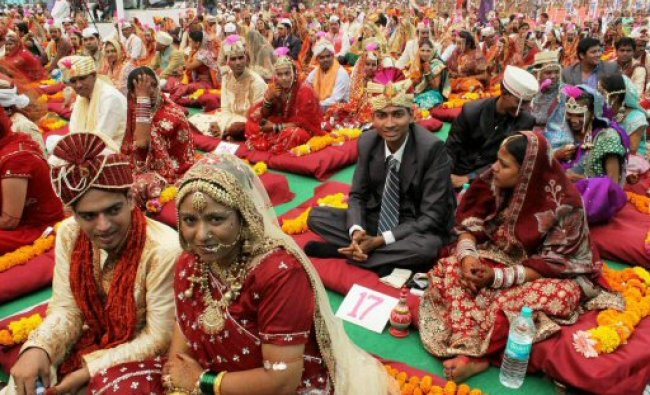 137 couples tie the nuptial knot at a Nirankari Samagam in Navi Mumbai...