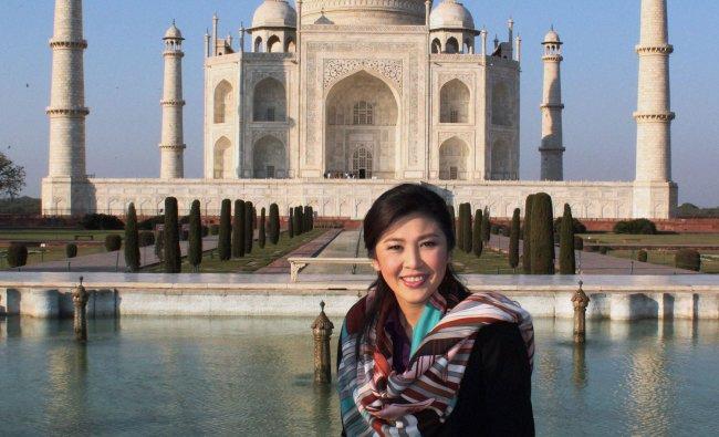 Prime Minister of Thailand poses at Taj Mahal