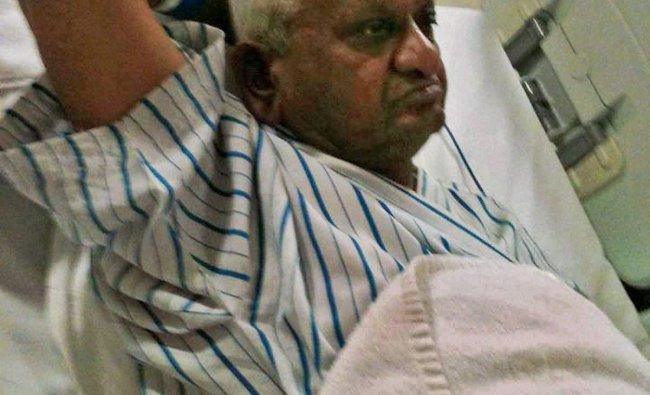 Social activist Anna Hazare admitted in the ICU