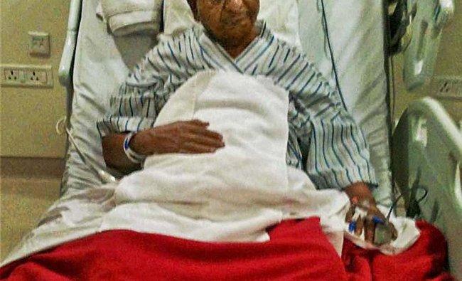 Social activist Anna Hazare admitted at The Medanta Hospital in Gurgaon