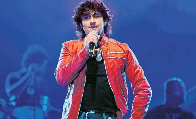 Sonu Nigam performs at the Palace Grounds in Bangalore