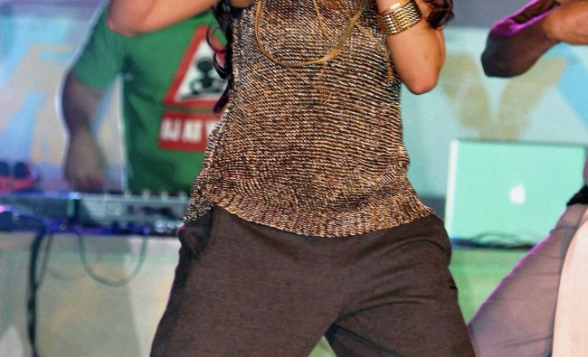 Hard Kaur performs in Faridabad