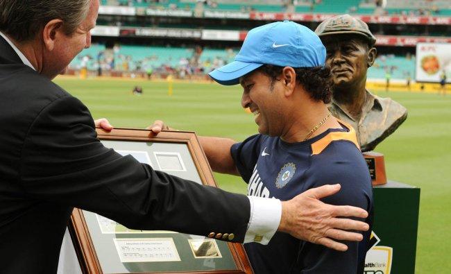Sachin Tendulkar is presented with an Honorary Sydney Cricket Ground (SCG) Membership