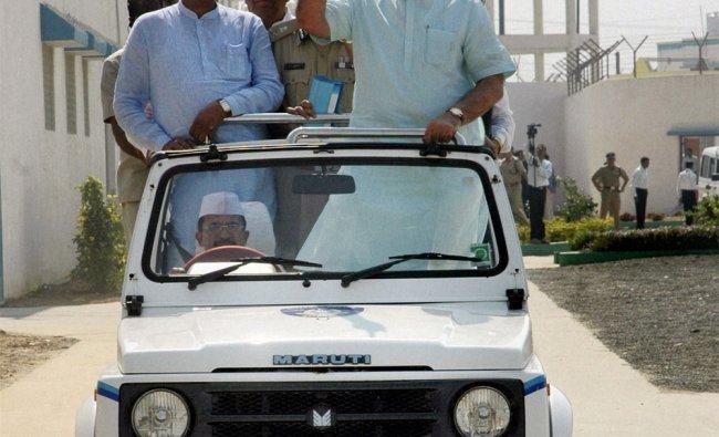 Gujarat Chief Minister Narendra Modi visits central Jail of Lajpor