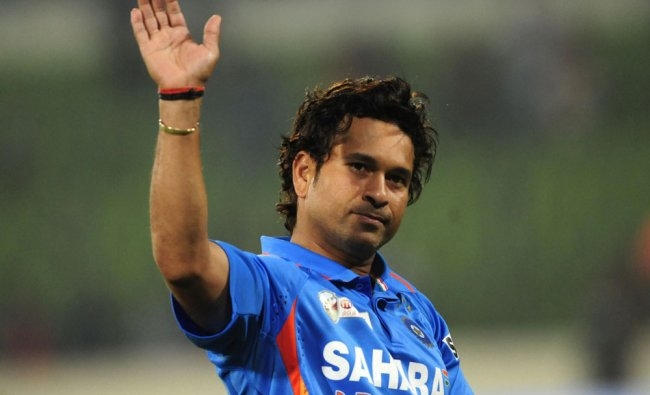 Sachin Tendulkar gestures after India\'s win against Pakistan in the Asia Cup match
