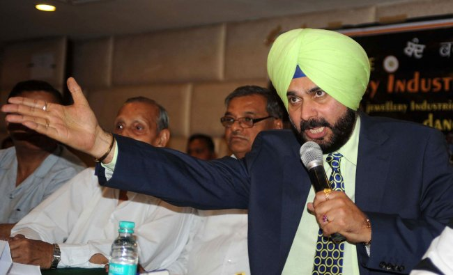 Navjot Singh Sidhu addresses members of All India Gems and Jewellery Trade Federation