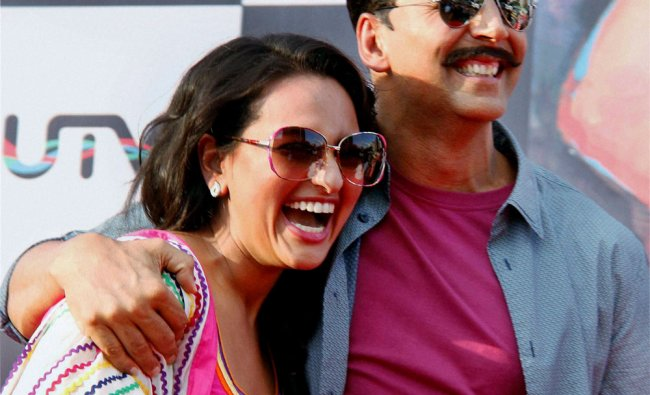 Bollywood actors Akshay Kumar and Sonakshi Sinha at a promotional event of film Rowdy Rathore