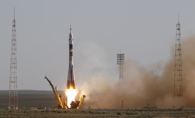 Spaceship carrying a new crew to the International Space Station