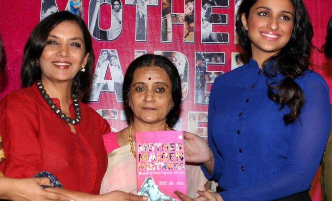 Shabana Azmi with Parineeti Chopra launching the book \'Mother Maiden Mistress\' by Bhawana Somaaya