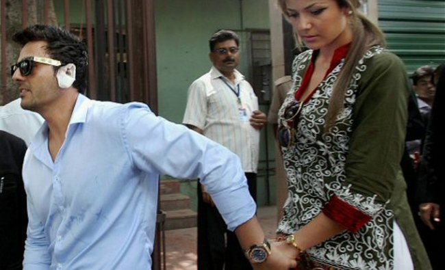 American woman Zohal Hamid with her fiance Sahil Peerzada at Delhi High Court on Friday
