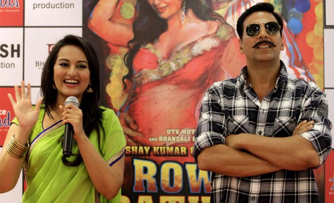 Akshay Kumar and Sonakshi Sinha at the promotional event of \'Rowdy Rathore\'...