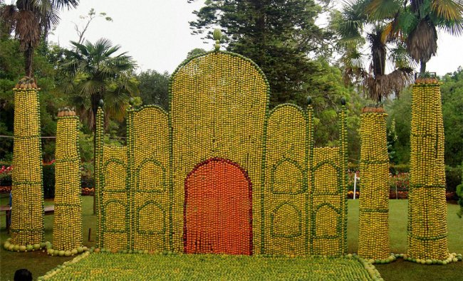 A replica of Taj Mahal created with sweet limes at the 52nd Fruit Show in Coonoor