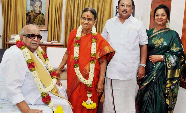 DMK chief M Karunanidhi with wife Dayalu Ammal, son MK Alagiri and daughter-in-law