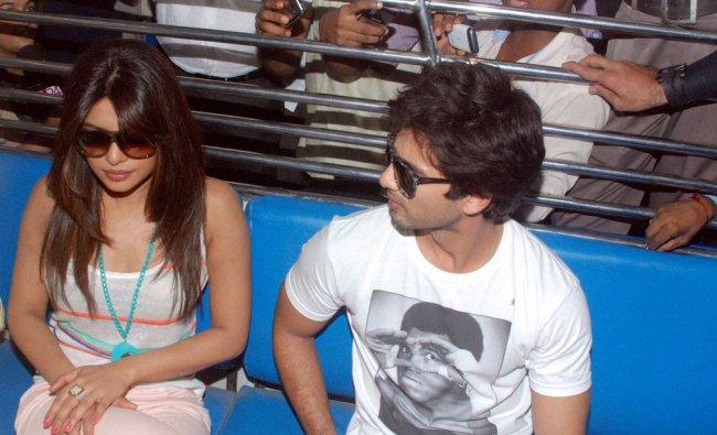 Priyanka Chopra and Shahid Kapoor take a train ride to promote their upcoming film \'Teri Meri Kahani