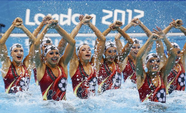 Canada\'s team perform in the synchronised swimming ...