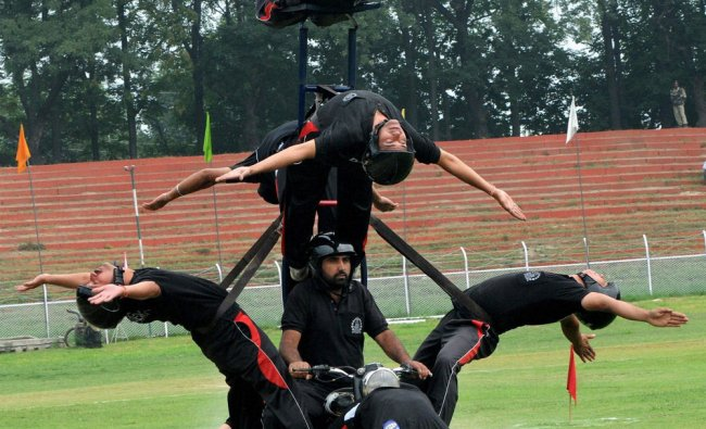Jammu and Kashmir Police performs during full dress rehearsal of Independence day celebrations