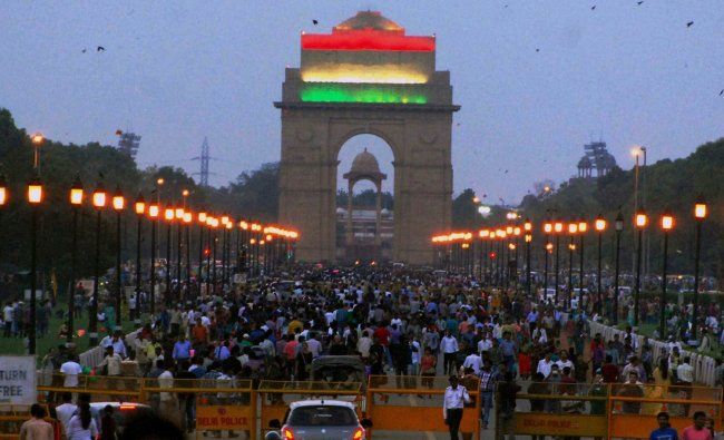 Tri-colour displayed on India Gate on the occasion of Independence Day ...