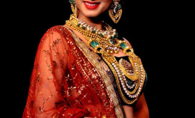 Indian Bollywood film actress Sonal Chauhan showcases jewellery designer Dipti Amishas designs ...