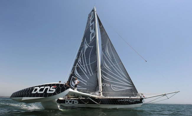 LHydroptre DCNS, the fastest sailing boat in the world, leaves Long Beach, California on it\'s...