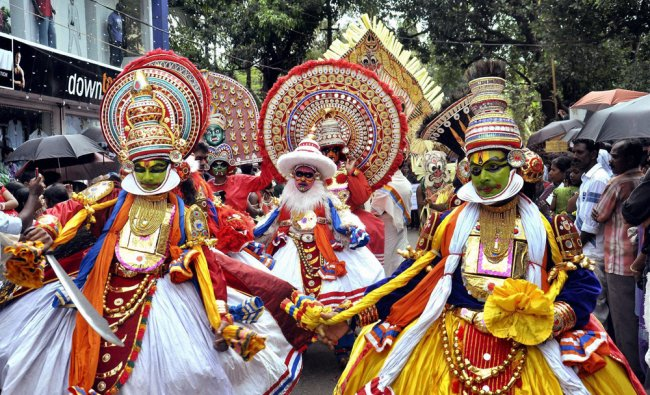 Artists partipate in Atham procession that marks the beginning of Onam festival ...