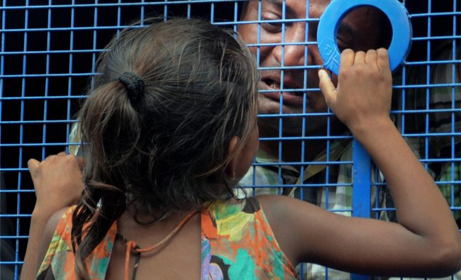 One of the convicts in Naroda Patiya massacre case consoles his daughter...