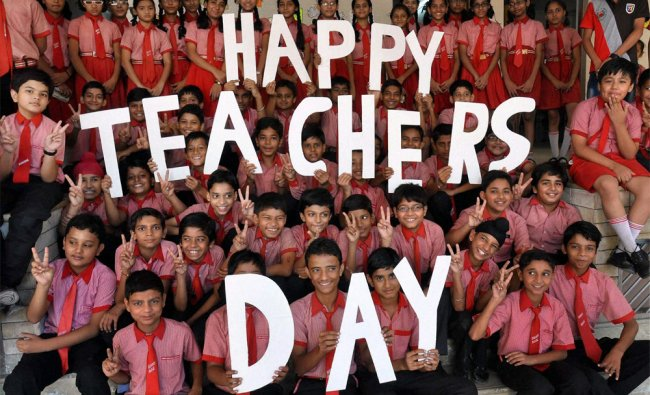 Students celebrate Teacher\'s Day in Moradabad on Wednesday