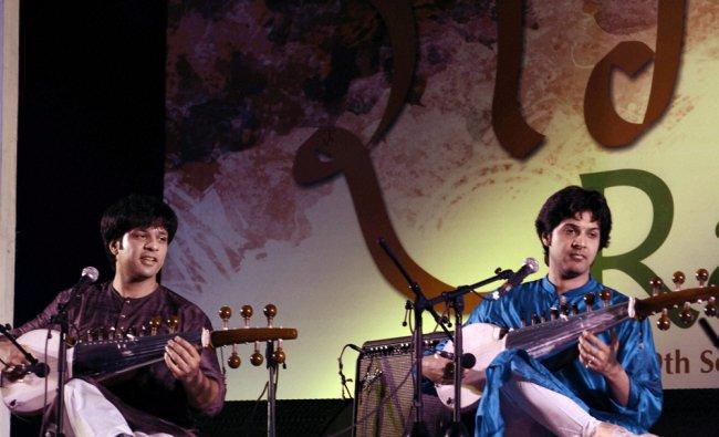Sarod maestro Amaan Ali Khan and Ayaan Ali Khan performe