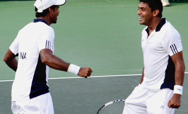 Vishnu Vardhan and Divij Sharan celebrate after winning the doubles match