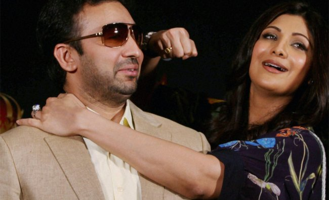 Shilpa Shetty with husband Raj Kundra at the announcement of Super Fight League\'s Friday Night Fight