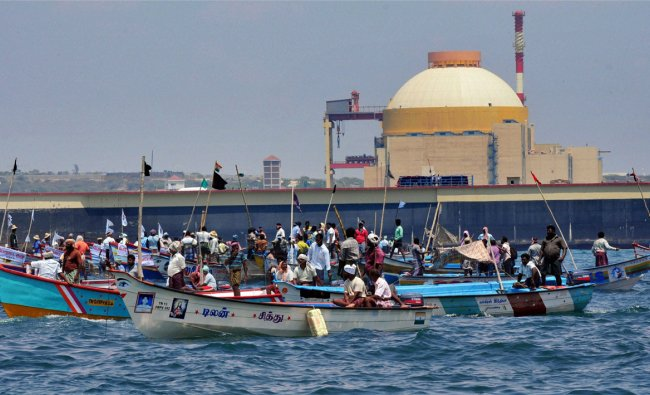 Anti-KNPP protesters and fishermen on board boats trying to lay siege on the nuclear plant
