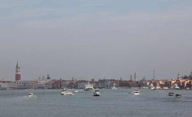 Pattamada Sujeet Belliappa sends the photos of arrival to Venice on Cruise ship