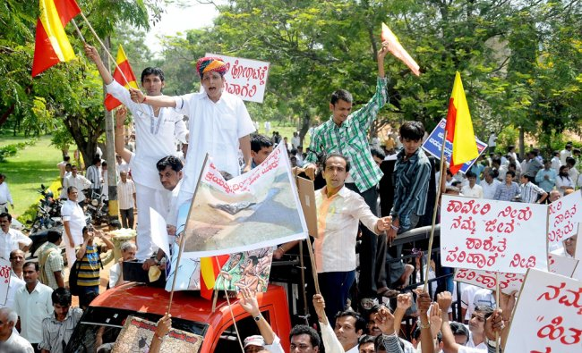Activists of Rajasthani jain Samaja stage protest against releasing the cauvery river water