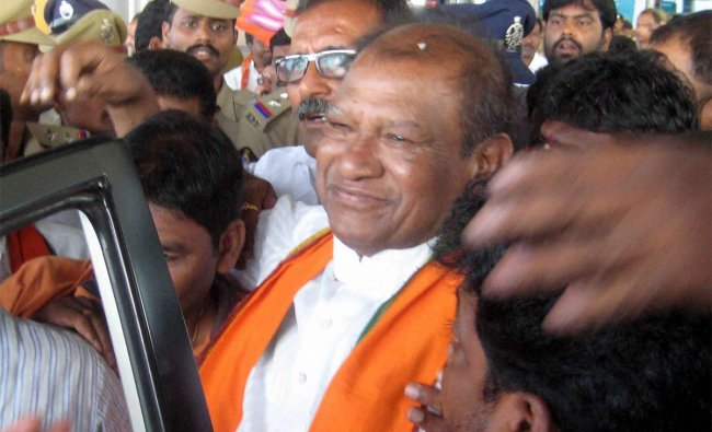 Former BJP president Bangaru Laxman being welcomed by his supporters after being granted bail