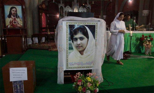 Pakistani Christians pray for schoolgirl Malala Yousufzai in Lahore...