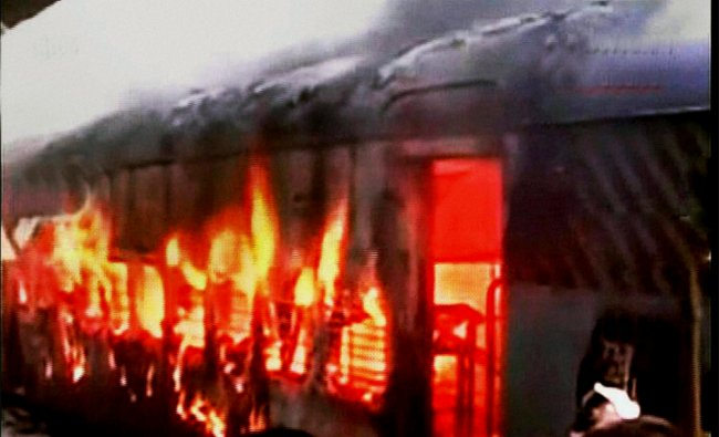 Hyderabad-Solapur Falaknuma express catches fire at the Gulbarga railway station in Karnataka...