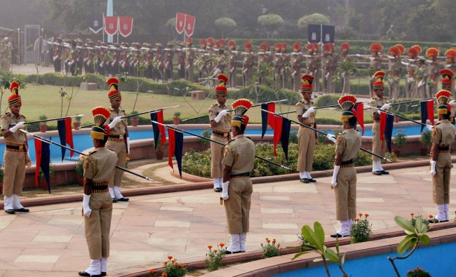 Jawans paying tribute to martyrs at Police Memorial on the occasion of Police Commemoration Day