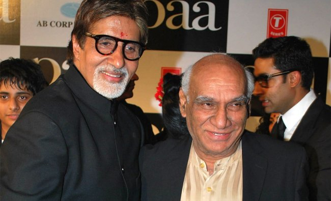 In this photograph taken on December 3, 2009 Indian actor Amitabh Bachchan (L) poses with director..