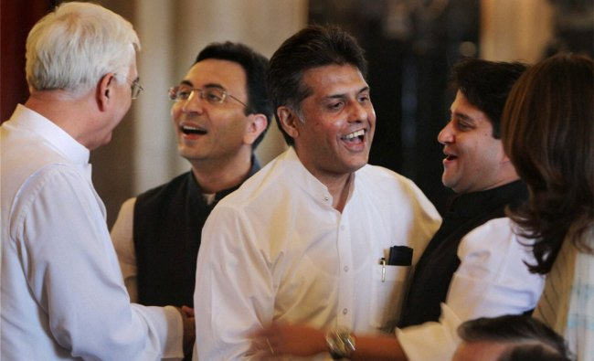 Union Minister Salman Khurshid with Jitin Prasada, Manish Tewari and Jyotiraditya Scindia