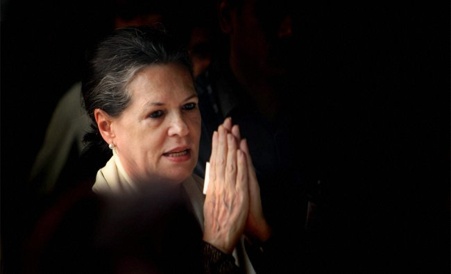 UPA Chairperson Sonia Gandhi during launch of a \'Shobha Yatra\' on the occasion of Maharishi Valmiki