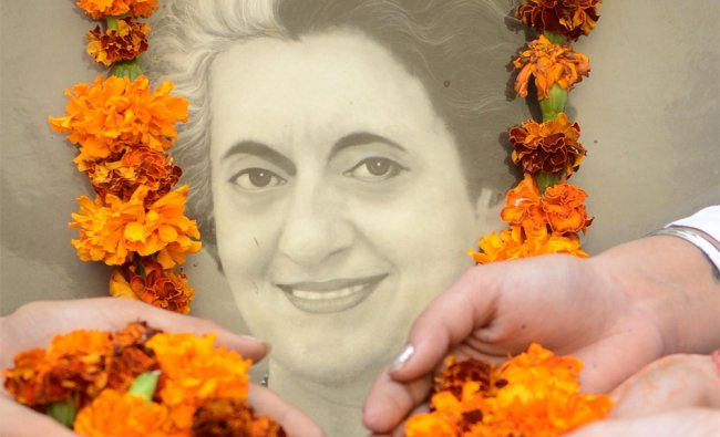 Schoolchildren pay tribute to Indira Gandhi on the occasion of her 27th death anniversary