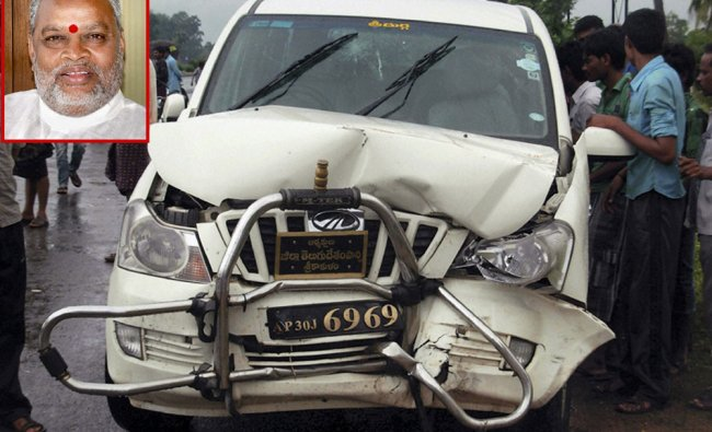 Damaged car of the senior TDP leader K Yerran Naidu (inset) who died in a road accident in AP